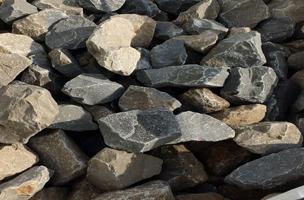 pierre pour gabion grise granulometrie 80 120 mm